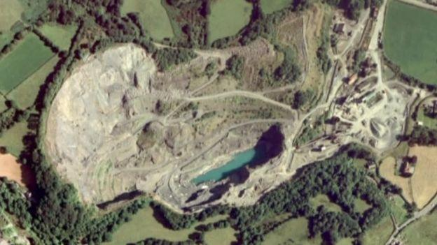 Police warning to quarry trespassers