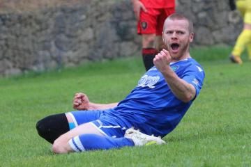 Cwmamman United come out on top of thriller