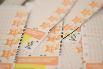 UK ticket-holder wins£105m EuroMillions jackpot