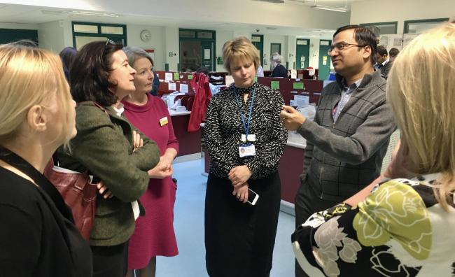Eluned Morgan AM (second from left) meets with management and clinicians at Hywel Dda Health Board to discuss the impact of winter pressures on patient services.