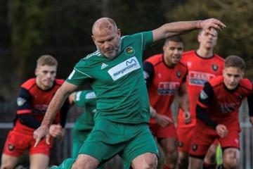 Late penalty sees Ammanford grab win