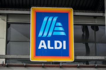 Aldi brings back Christmas hampers for 2020 (Here's what's inside)