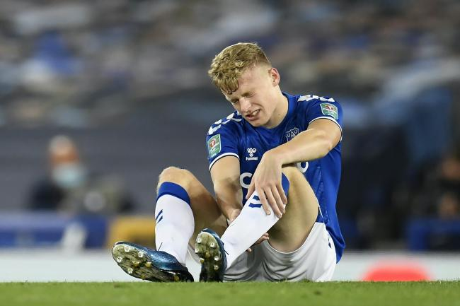 Jarrad Branthwaite went off injured for Everton
