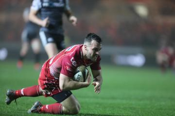 Scarlets soar to victory over Connacht