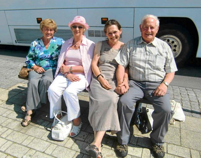 Gorslas senior citizens enjoy market trip