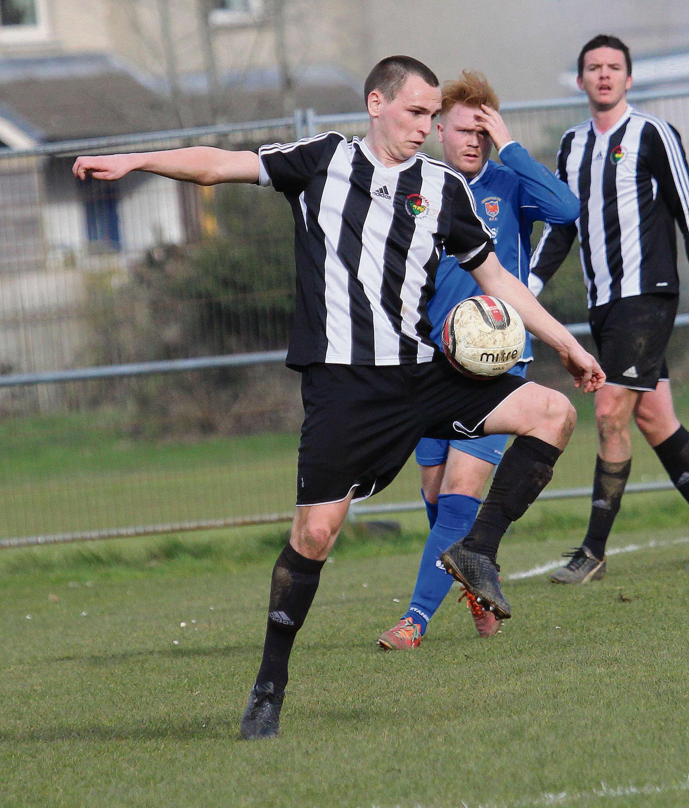 Lacklustre Ammanford claim crucial point