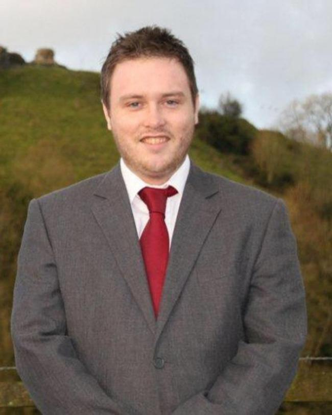 Tycroes representative Calum Higgins has said councillors must do what's best for the county, not the chief executive.