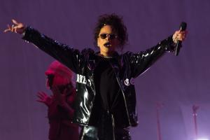 Rihanna to open MTV Video Music Awards in New York
