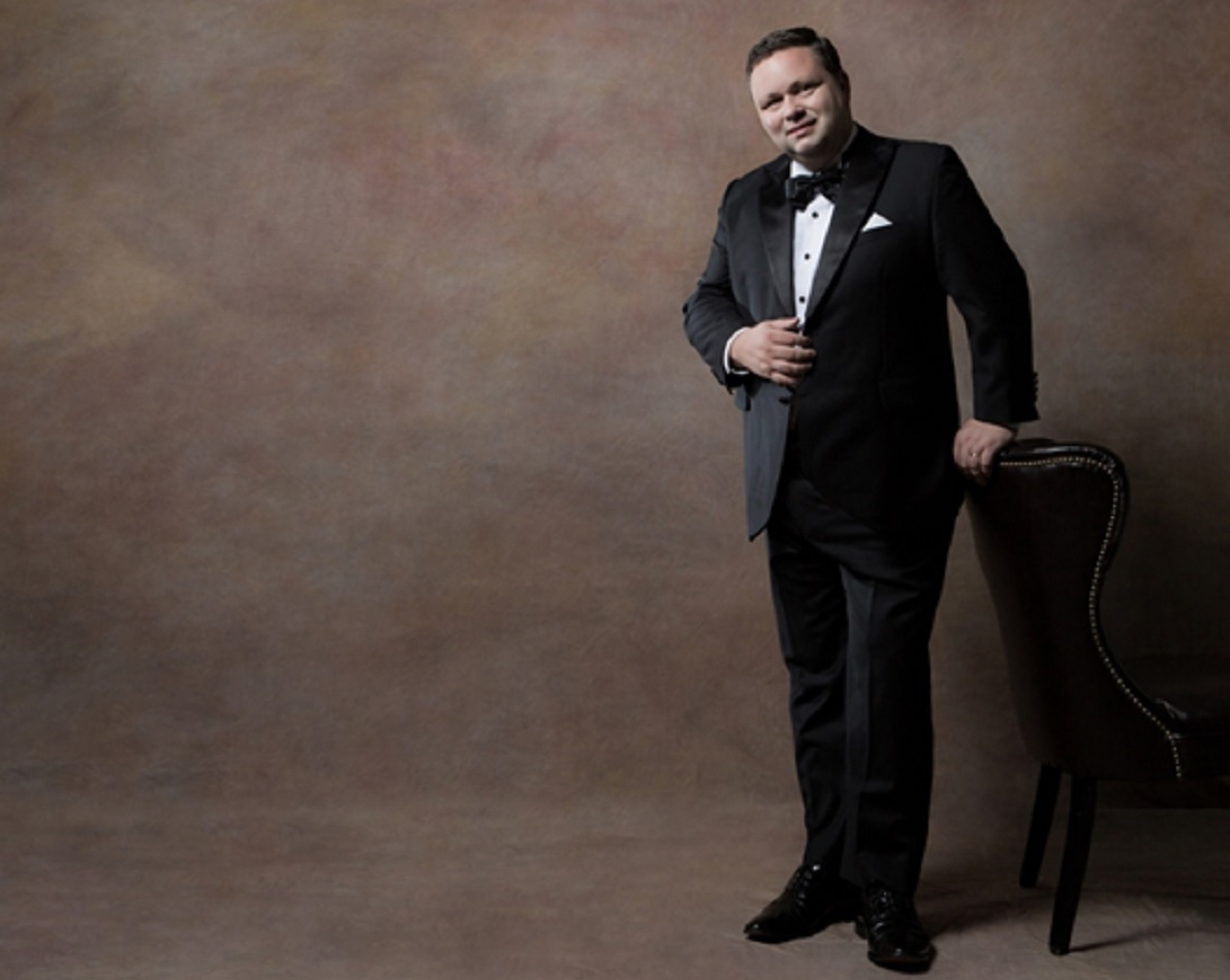 Paul Potts is perofmring in his hometown Port Talbot on March 1.