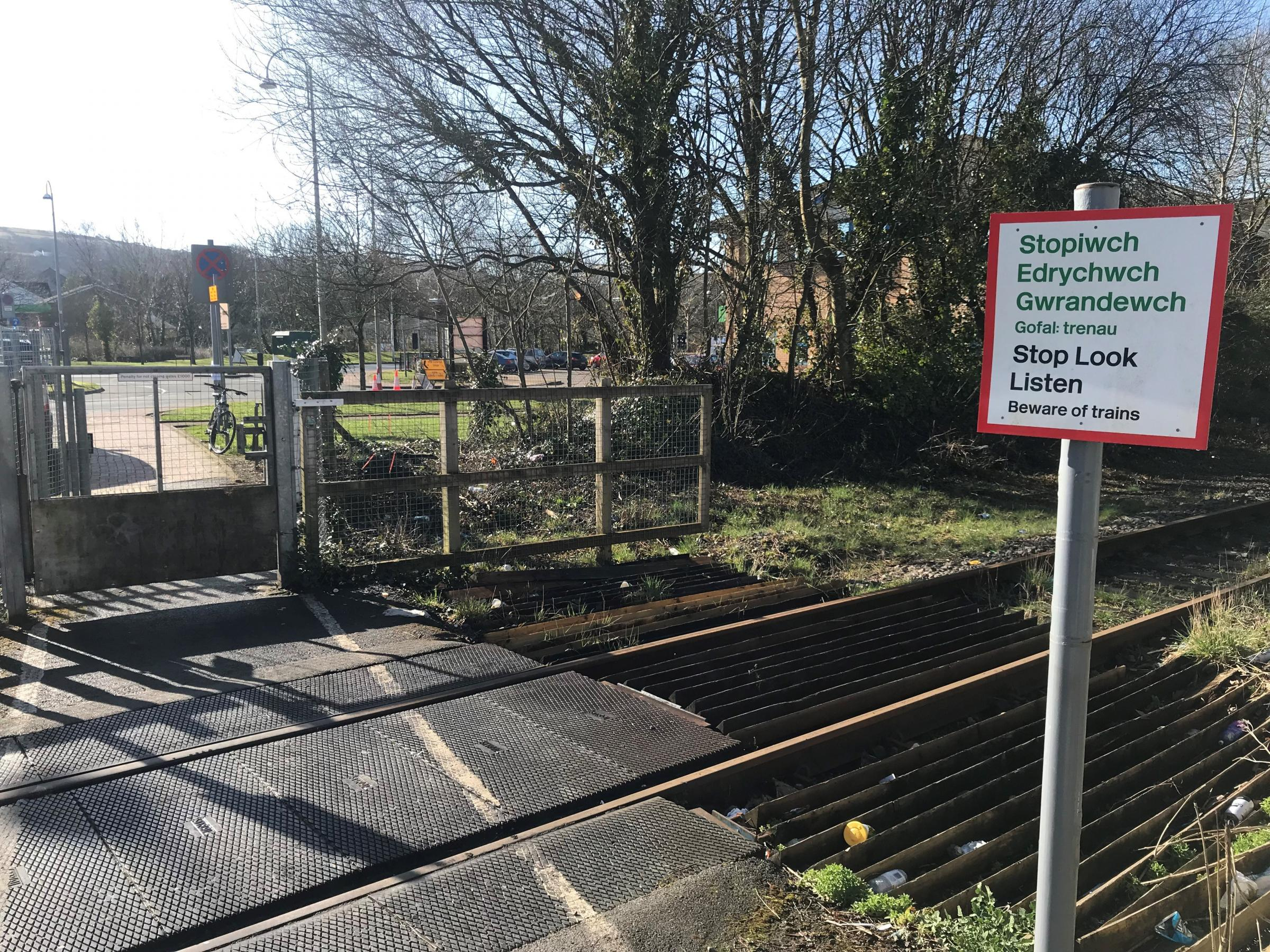 The rail crossing will be closed for three weeks, which business owners say will have an impact on their takings