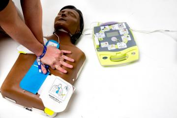 Free defibrillator training sessions in town