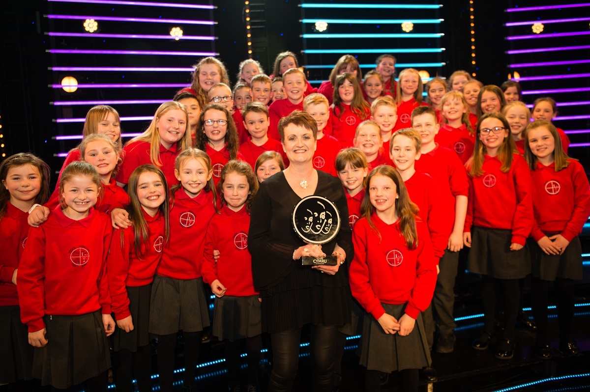 Ysgol Gymraeg Teilo Sant won the Côr Cymru Primary School trophy on Saturday 6 April on the Great Hall stage, Aberystwyth